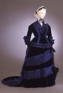 1873-1875Collection Galleria del Costume di Palazzo Pitti _ OMG that dress!