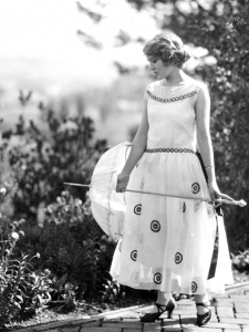 via julielondon-tumblr Mary Pickford, 1922