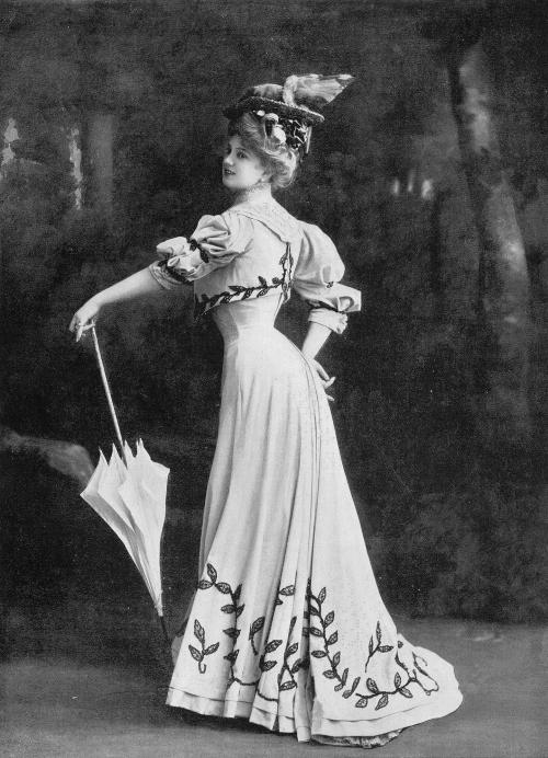 1906 via tumblr les-modes- Arlette Dorgère in a dress by Levilion and corset by Weeks & Cie, Les Modes April 1906. Photo by Reutlinger Parasol